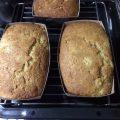 混ぜて焼くだけ!材料3つで作る「バナナブレッド」レシピ